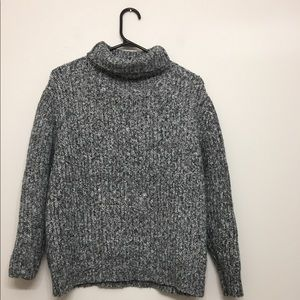 Salt and pepper turtle neck Sz S